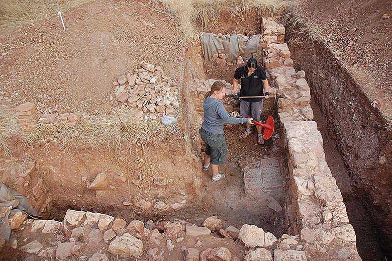 Archäologen der Universität Jena graben im Süden Portugals eine römische Villa aus dem 1. bis 5. Jahrhundert n. Chr. aus. (Foto: Dennis Graen)