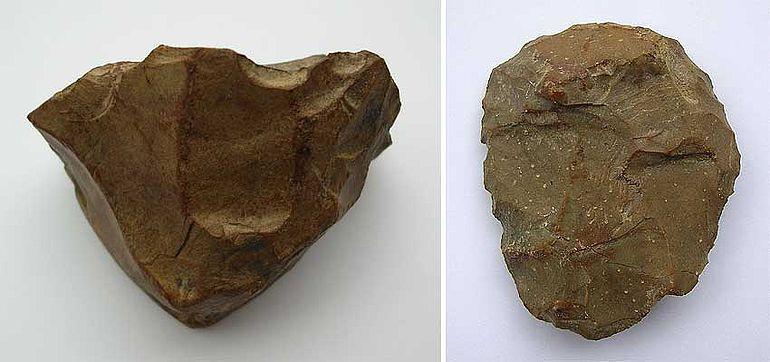 Abb. 5| »Konventionelle« Artefakte aus der Freilandstation Ernsthofen, NÖ. (Links) Konischer Kern aus Quarzit, Höhe: 3,9 cm; (Rechts) Kratzer aus Hornstein, Länge: 4,5 cm (Bild: Binsteiner)