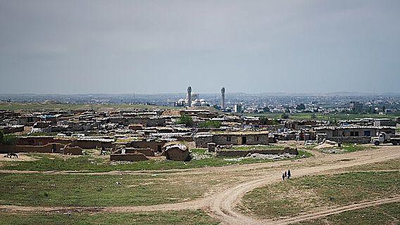 Blick auf die die archäologische Fundstelle Ninive im heutigen Mossul, Irak im Jahr 2019
