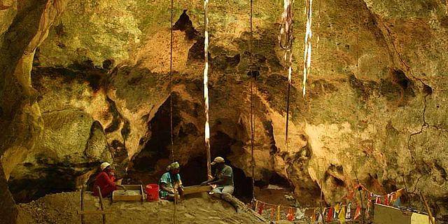 Archäologische Ausgrabungen in der Kuumbi-Höhle auf der Insel Sansibar