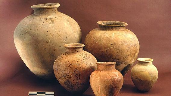 Keramikfunde aus Arslantepe, die Keramikfunden aus Mesopotamien ähnlich sind