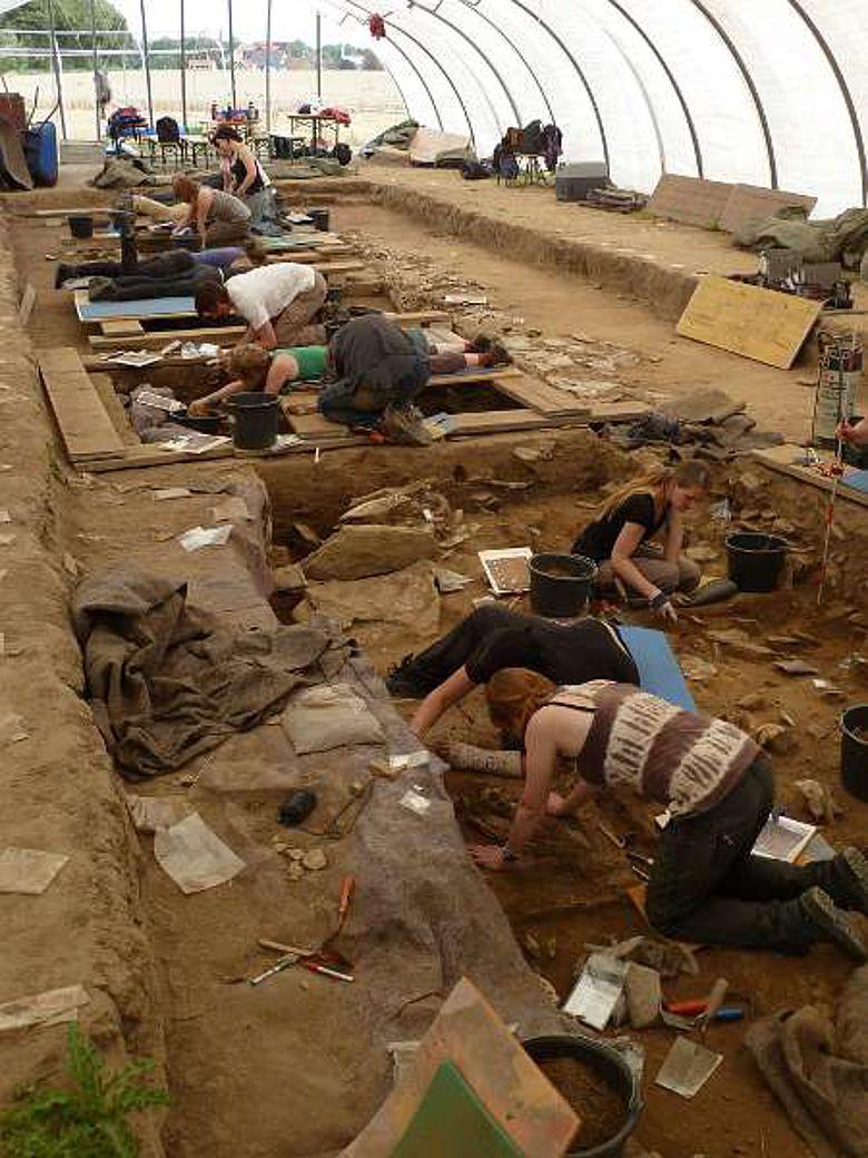 Seit 2009 erforschen die LWL-Archäologen die Großsteingräber der Jungsteinzeit bei Erwitte-Schmerlecke (Foto:LWL/M. Baales)