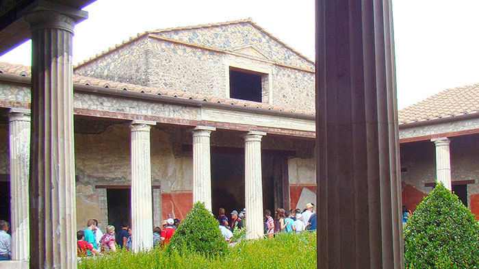 Abb. 4| Blick in das peristylium der Casa del Menandro . Foto: O.Mustafin
