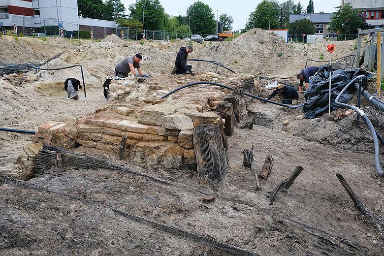 Ausgrabung der Burganlage