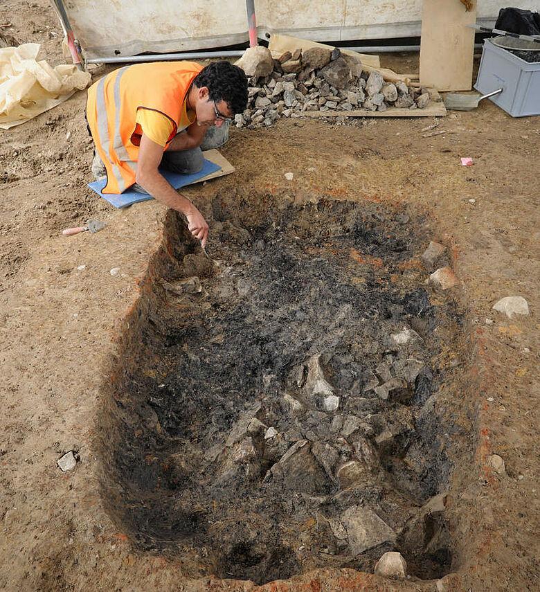 Bronzezeitliche Feuergrube