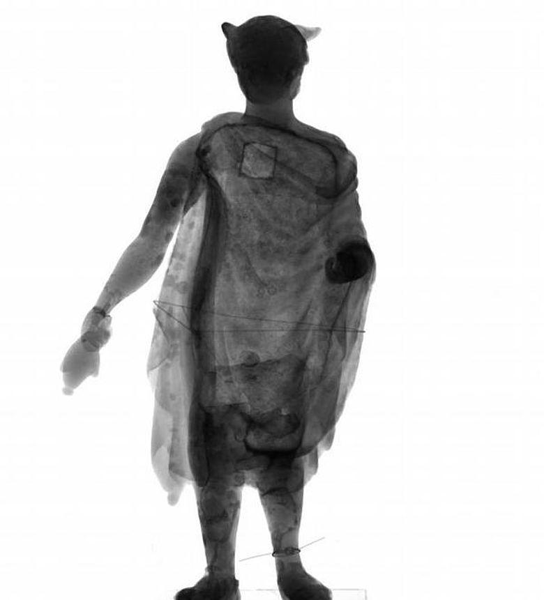 Römische Merkur-Statuette Obernburg am Main - Radiografie (Foto: Martin Mühlbauer / TUM)