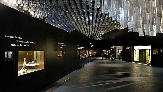 Blick in die Ausstellung. (© Bernisches Historisches Museum, Bern. Foto Nadja Frey)