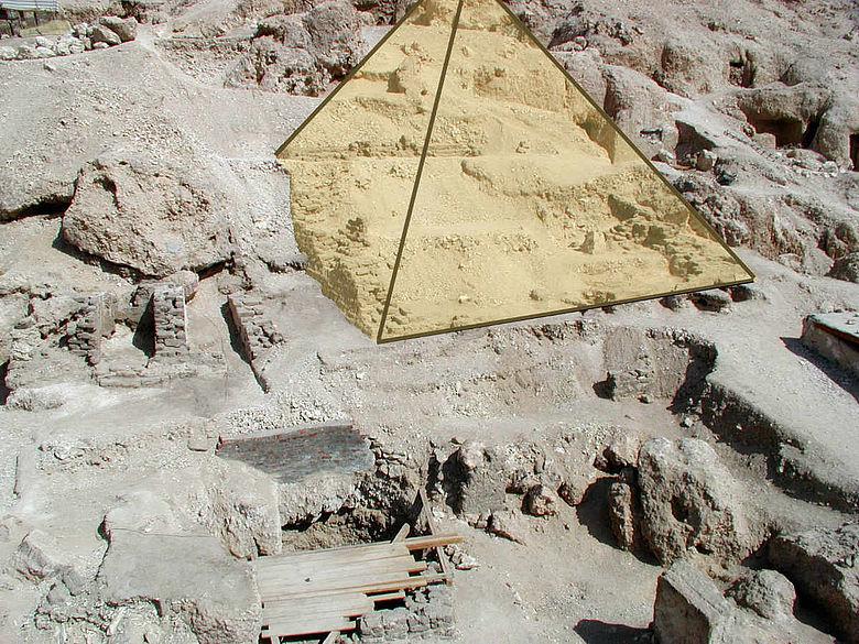 Rekonstruierte Pyramide