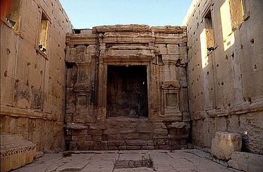 Nischen für Kultbilder im Bel-Tempel