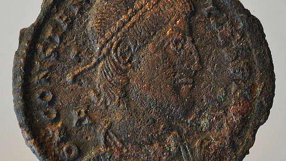 Eine Kupfermünze aus der Mitte 4.Jh. n. Chr. (Foto: DAI)