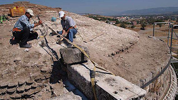 Restaurierung des südlichen Turms 2008