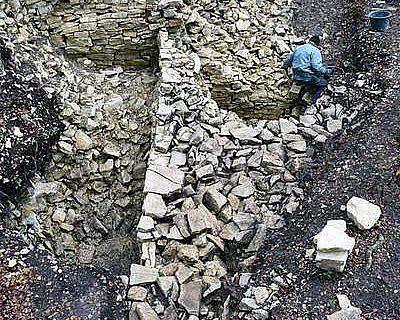 Grabung an der keltischen Befestigungsmauer