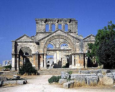 Eingang der Pilgerkirche von Qalaat Seman