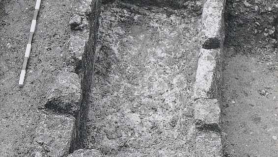 Steinplattengrab
