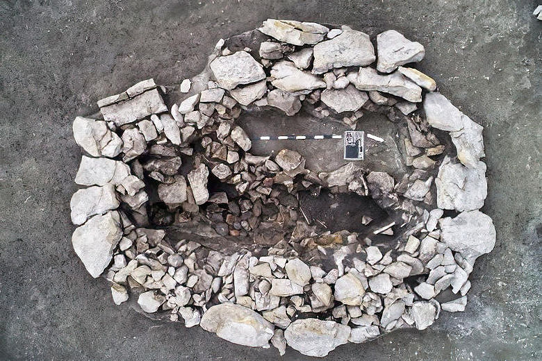 Zentralgrab des kleinen Hügels bei Leubingen