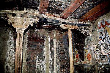Schäden der Innenausstattung im Tempel Gongma Lhakhang. (Foto: Nako Research & Preservation Project)