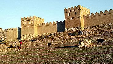 Die hethitischen Stadtmauern waren sehr systematisch gebaut und mit zahlreichen Türmen, meist im Abstand von nur rund 20 m, ausgestattet (Photo: DAI)
