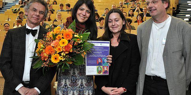 Laudator Professor Lutz Käppel, Silvia Balatti, Dr. Mara Weinelt und Professor Johannes Müller