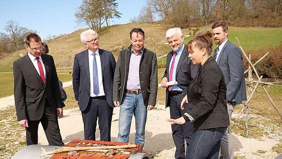 """""""Am Platz der Jagd"""" im Archäopark Vogelherd"""