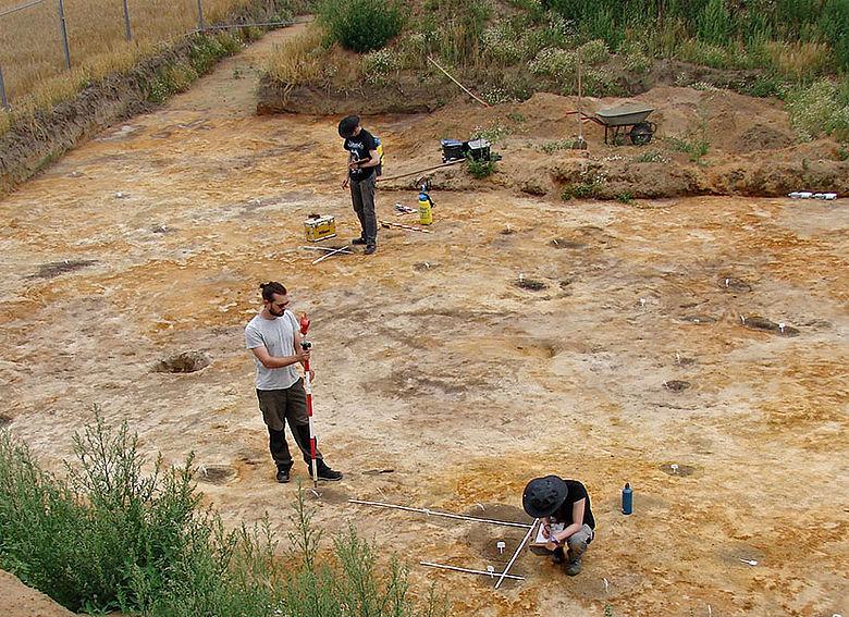Ausgrabung eines mittelalterlichen Gehöftes
