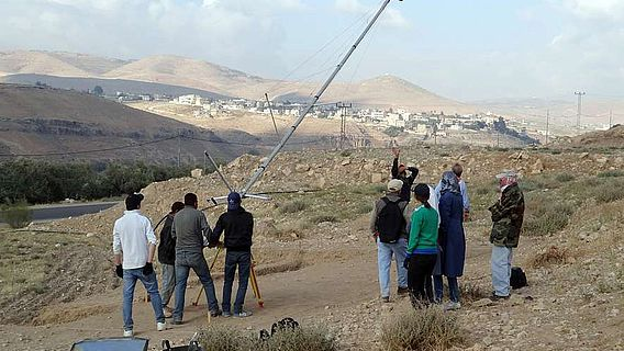 Einsatz eines Fotokrans in eh-Sayyeh, Jordanien (© Orient-Abt. DAI)