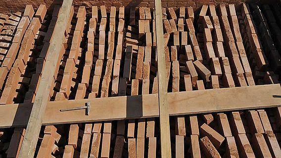 Blick von oben in die Ofenkammer (Foto: LWL / Immenkamp)