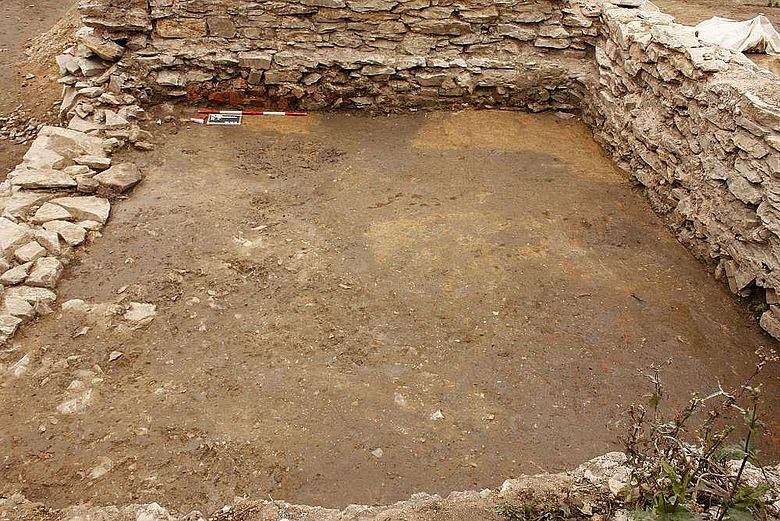 Reste eines mittelalterlichen und eines frühneuzeitlichen Gebäudes