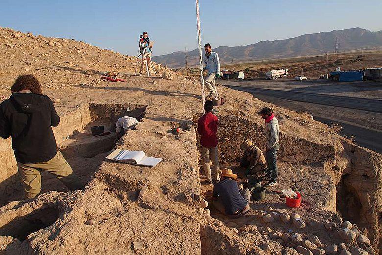 Ausgrabungen am Osthang der Oberstadt von Bassetki
