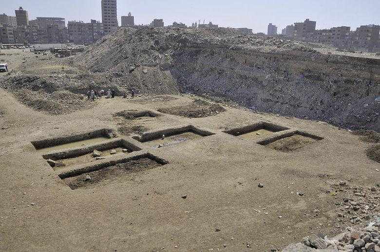 Ausgrabung im Tempelbezirk von Heliopolis