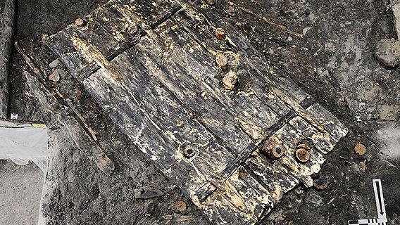 Tür aus der Steinzeit