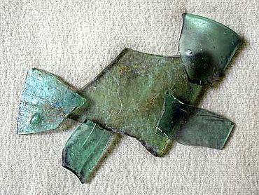 Abb. 2| Glasfragmente (Bodenfunde) (Foto: Autor)