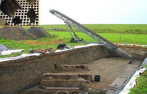 Grabungsstätte und zu untersuchendes Scherbenmaterial