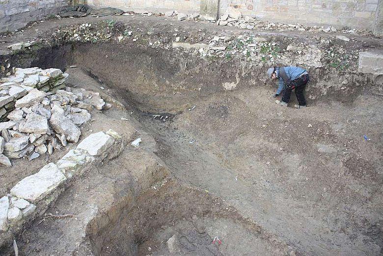 Vor 1.000 Jahren verfüllter Hofgraben