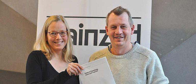 Kai-Christian Bruhn und Anne Klammt vom Mainzer Zentrum für Digitalität in den Geistes- und Kulturwissenschaften