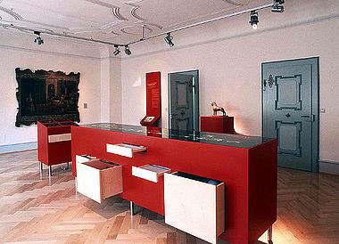 Ein Beispiel für das ansprechende, klare Design des Büros Bertron.Schwarz.Frey: Der »Welfen-Raum« im Stadtmuseum in Weingarten (Foto: Stadtmuseum Weingarten)
