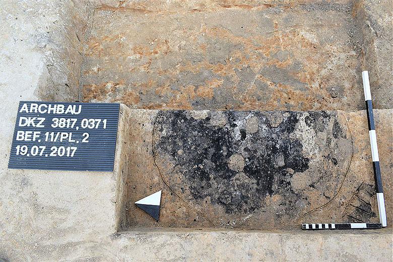 Befundfoto: Eisenzeitliches Brandschüttungsgrab