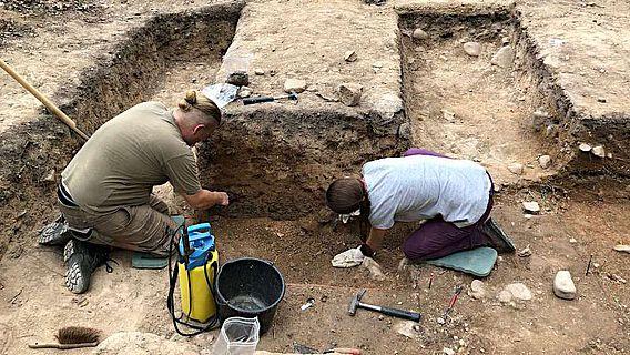 Grabungen im Innenraum des Kapellenberg im August 2019
