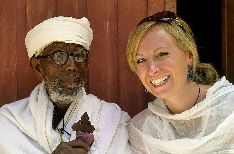 Äthiopischer Klostervorsteher und Verena Krebs