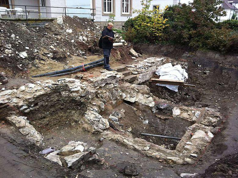 Rest von Gebäuden außerhalb der Domburgmauer
