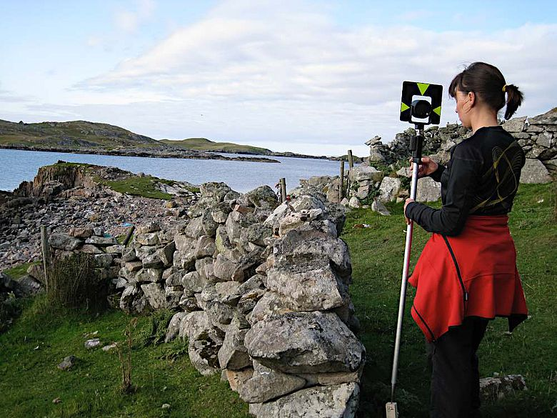 Vermessung des einstigen deutschen Handelsplatzes in Gunnister Voe, Northmavine, Shetland
