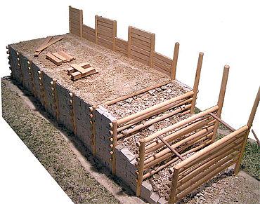 Modell eines Murus Gallicus im Rheinischen Landesmuseum Trier (Bild: Stefan Kühn, GNU-Lizenz für freie Dokumentation)