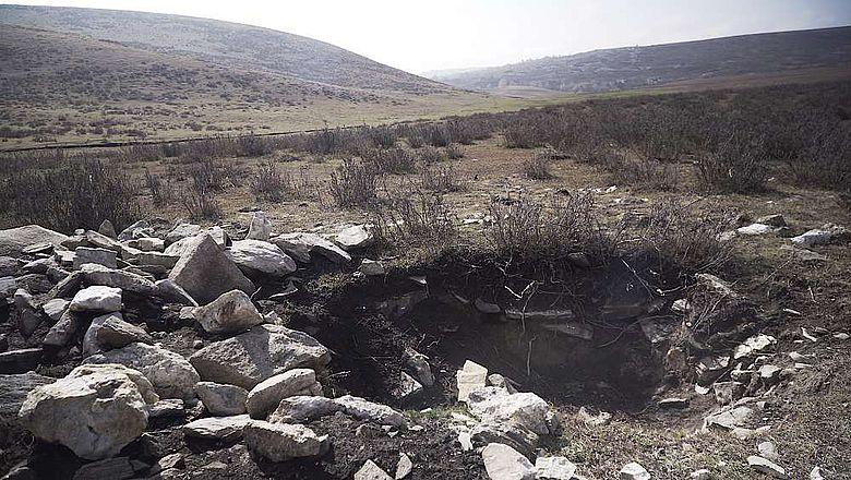 Kürzlich beraubtes Grab in Nordwestchina