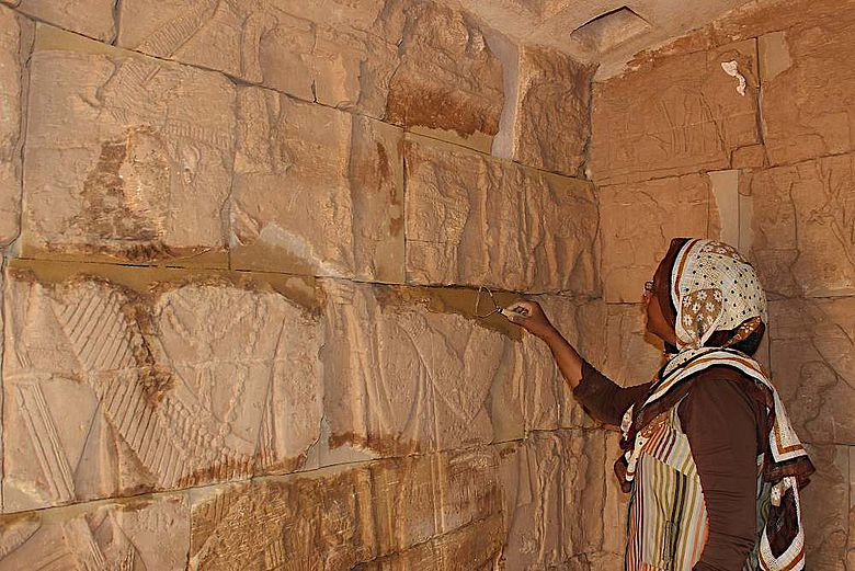 Restaurierung der Reliefs der Opferkapellen