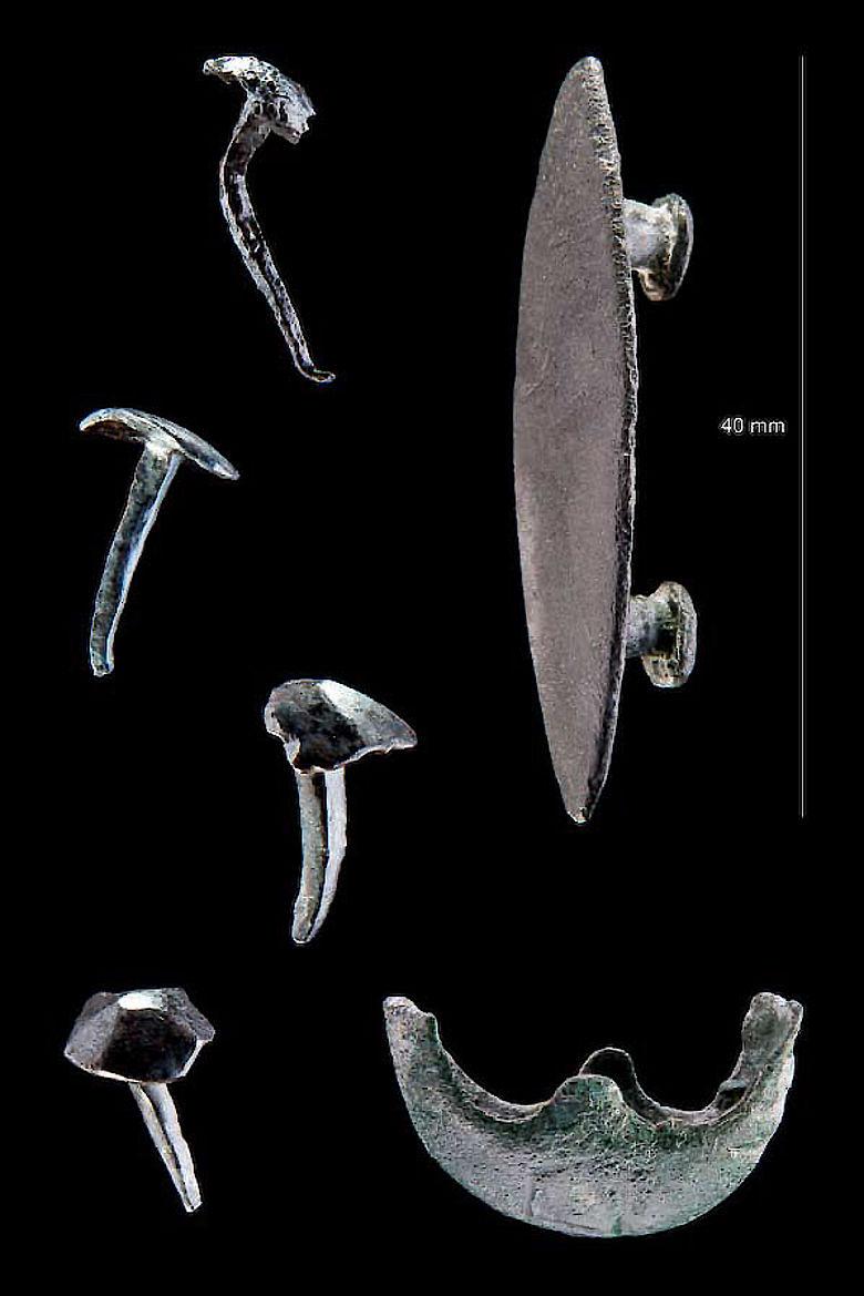 Römische Beschläge und Nägel von Sandalen römischer Legionäre aus Hachelbich