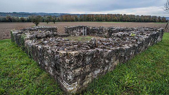 Überreste des römischen Wachturms in Schwaderloch