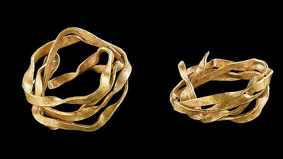 Spiralröllchen aus Golddraht