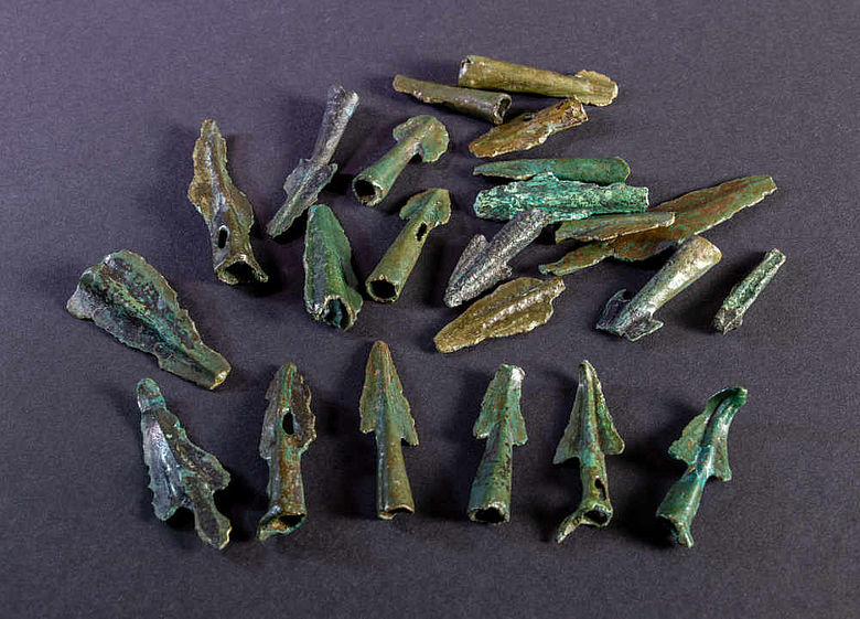 Bronzezeitliche Pfeilspitzen vom Sängersberg
