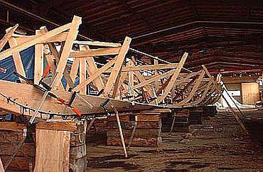 Im Sommer 2004 wird der Stapellauf des ersten schwimm- und navigationsfähigen Nachbau eines römischen Lastschiffes sein. (Foto: TU Clausthal)
