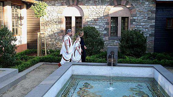 Ziergarten nach römischem Vorbild im Römerkastell Saalburg in Hessen