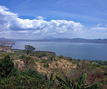 Caldera des Vulkans Ilopango in El Salvador
